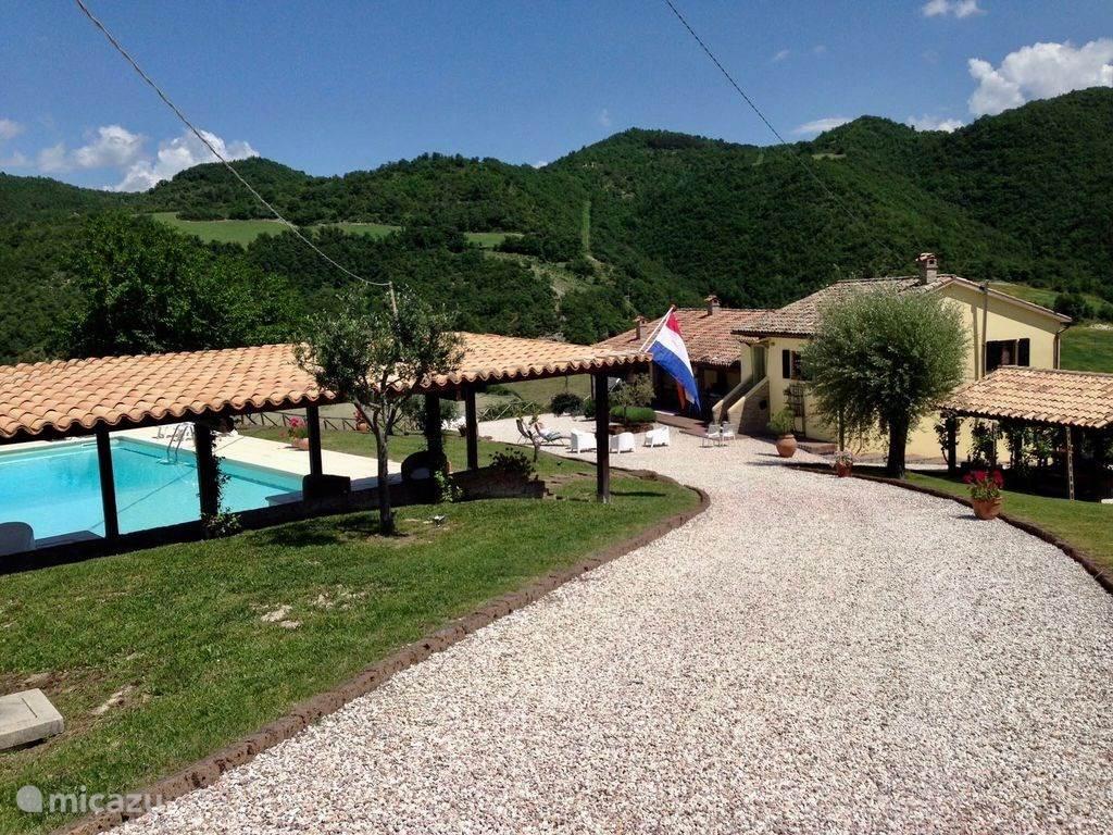 Vakantiehuis Italië, Marche, Fossombrone appartement Casa Gialla sotto