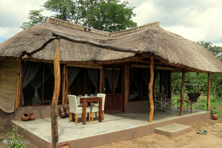 Vacation rental Zambia – chalet Malama Umoyo Cottages