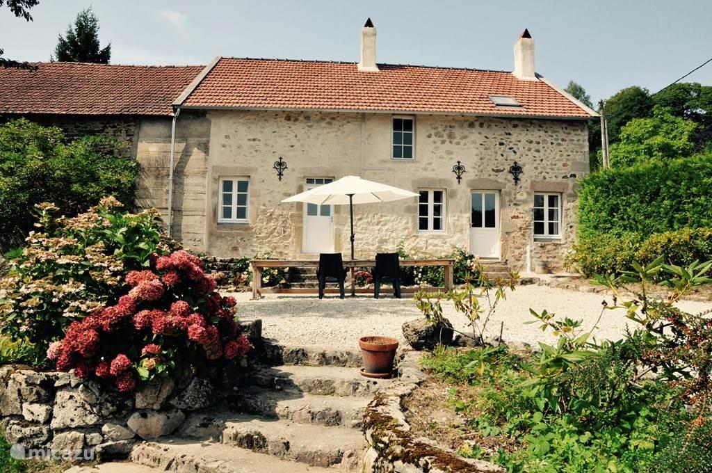 Vakantiehuis Frankrijk, Saône-et-Loire, Saint-Léger-sous-Beuvray Boerderij Vakantiehuis Mont Beuvray