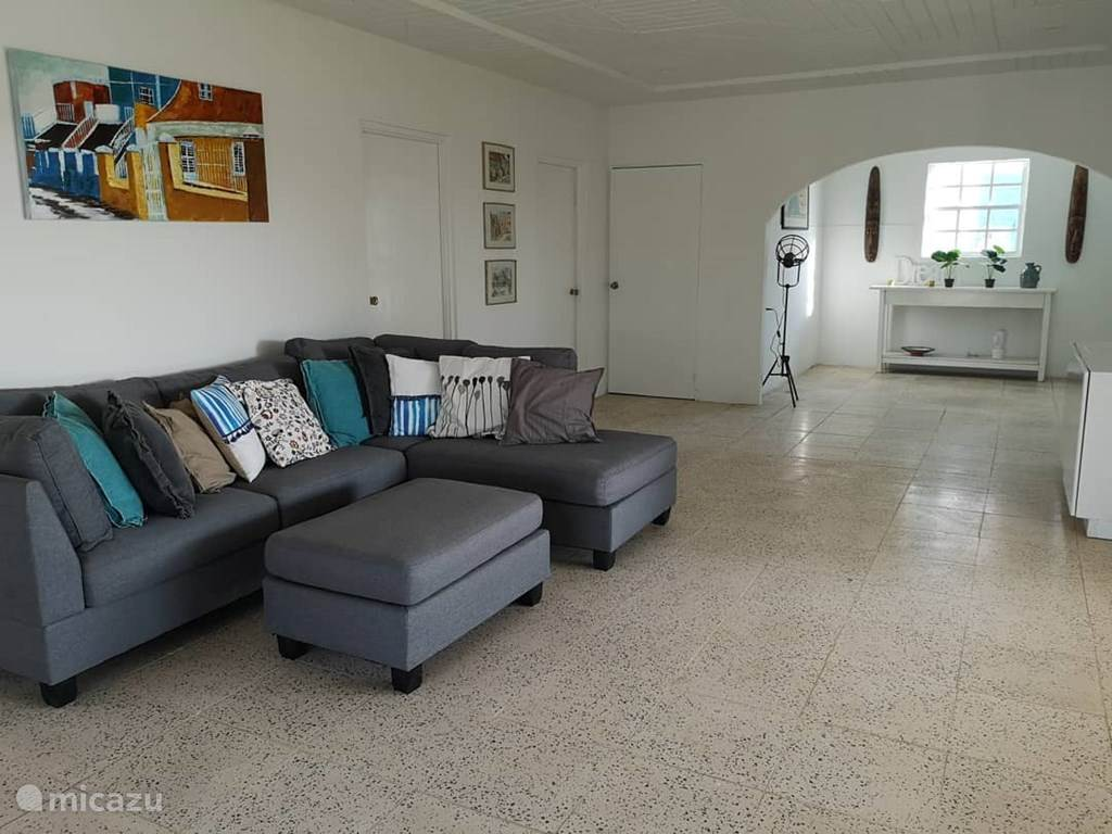 Vacation rental Curaçao, Banda Ariba (East), Jan Thiel Villa KT169: Kaya Telekomunikashon (Brakke