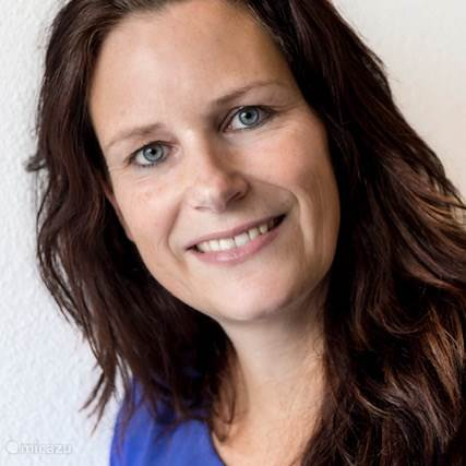 Jacqueline  De Vries