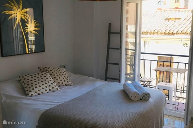 Vakantiehuis Spanje, Valencia, Valencia (stad) Appartement Piso Cabalicious - Stad & Zee Apt.