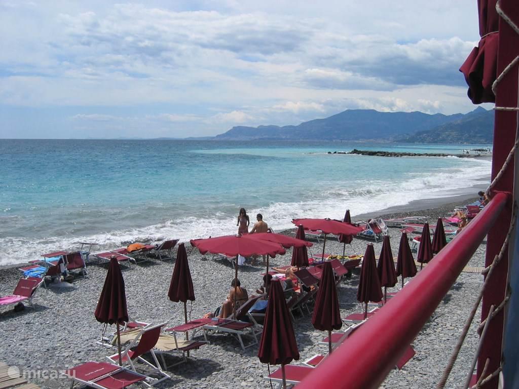 Strand bij Bordighera
