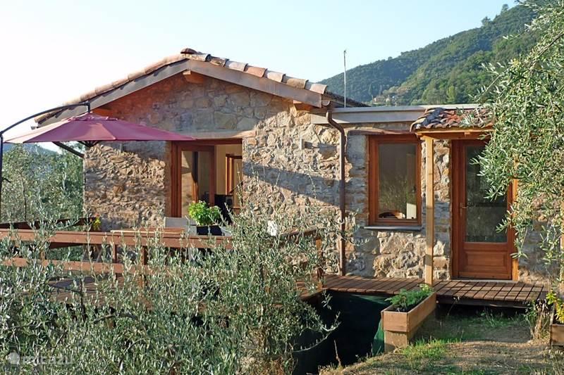 Vakantiehuis Italië, Ligurië, Pigna Vakantiehuis Casa Rovear