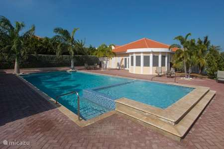 Vacation rental Curaçao, Banda Ariba (East), Cas Grandi holiday house New home on resort with swimming pool