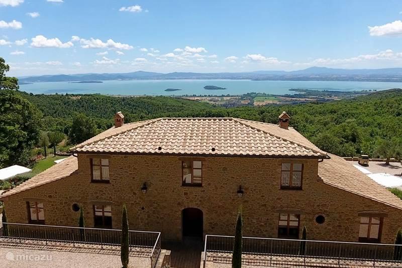 Vakantiehuis Italië, Umbrië, Tuoro sul Trasimeno Appartement Villa Palladio - appartement Polvese