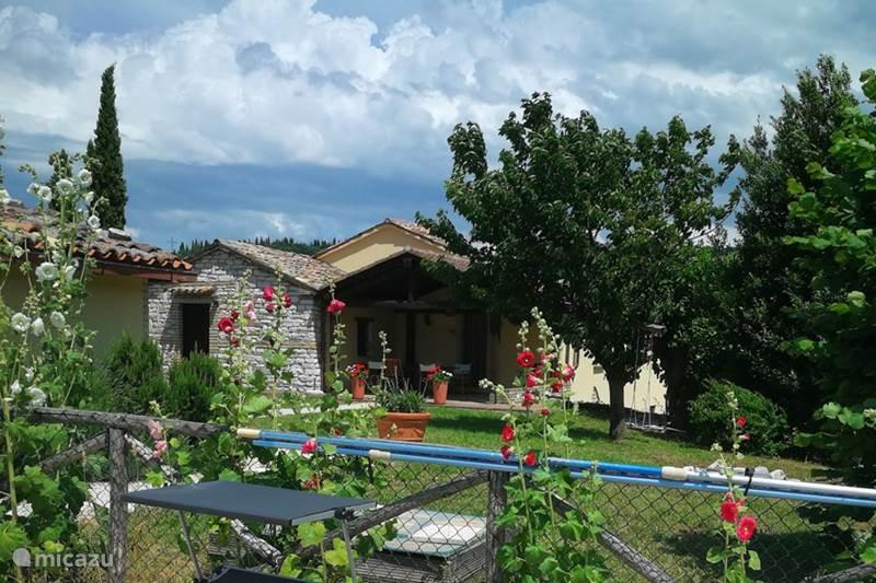 Vakantiehuis Italië, Marche, Fossombrone Vakantiehuis Casa Fiori
