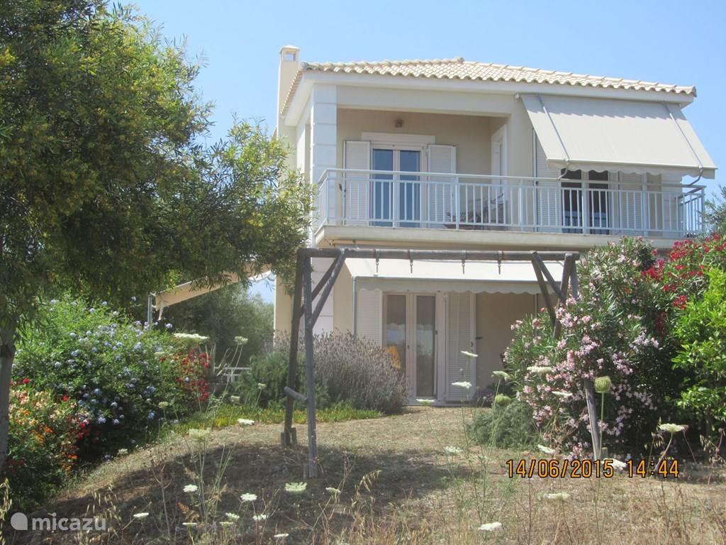 Vakantiehuis Griekenland, Peloponnesos, Kamaria-Finikounda villa Stroungitsa Villa