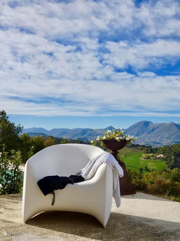 Vakantiehuis Italië, Marche, Castelraimondo Bed & Breakfast Borgo Crispiero Suite Alberto