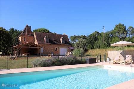Vacation rental France, Dordogne, Les Eyzies-de-Tayac-Sireuil holiday house Lesson Grabous