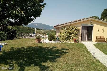 Vakantiehuis Italië, Marche, Fossombrone vakantiehuis  Casa Piccola