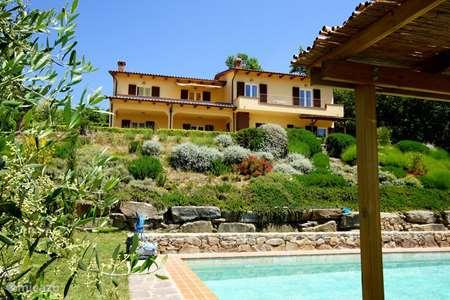 Vakantiehuis Italië, Umbrië, Tuoro sul Trasimeno appartement Villa Sopra - appartement Olivo