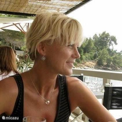 Yvonne Dapper