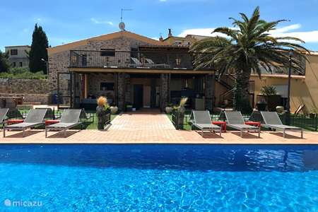 Vakantiehuis Spanje, Costa Brava, Llançà villa Molletero: huis (21p) + bijhuis (7p)