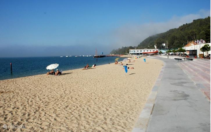 Praia da Saúde 300 m