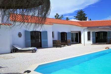 Vacation rental Portugal, Algarve, Alcantarilha villa Casa Montes Raposos