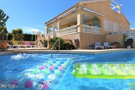 Vakantiehuis Spanje, Costa Blanca, Orihuela Costa chalet villa met zwembad & jacuzzi - garage