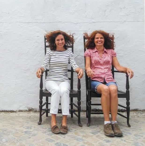 Isabel & Lina Vicente