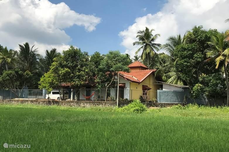 Vacation rental Sri Lanka – bungalow Surevi Villa