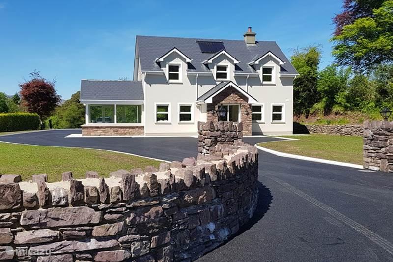 Vakantiehuis Ierland, Kerry, Kenmare Bed & Breakfast  Mountain View B&B Familyroom 4 Pers
