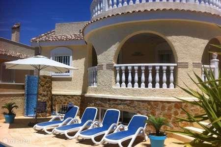 Vakantiehuis Spanje, Costa Blanca, Santa Pola - vakantiehuis Vrijstaande villa met privé zwembad