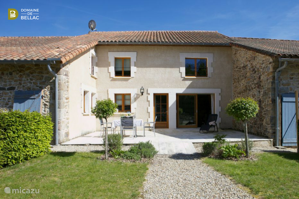 Vacation rental France, Charente, Rousinnes holiday house  La Bellecour - Domaine de Bellac