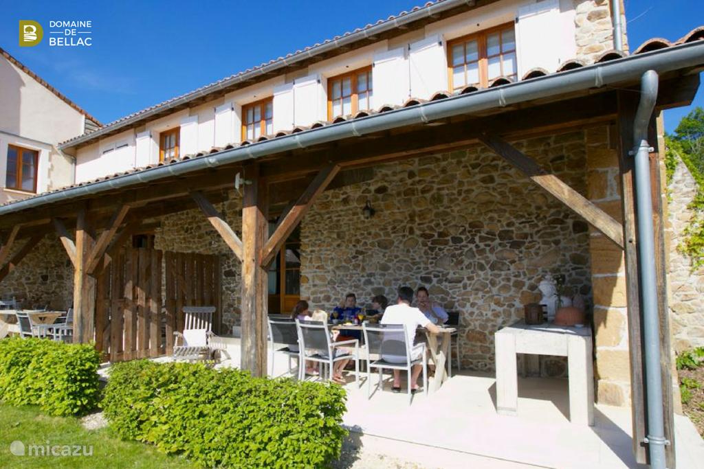 Vacation rental France, Charente, Rousinnes holiday house  Caleche - Domaine de Bellac
