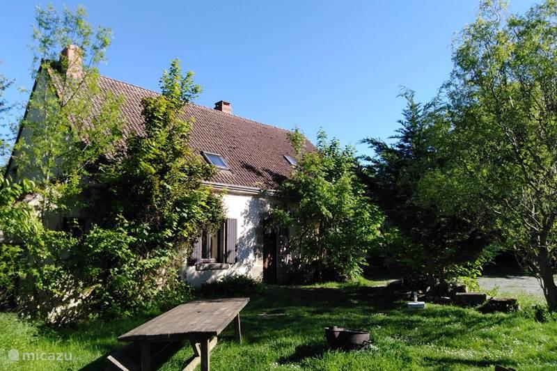 Vacation rental France, Indre, Sarzay  Gîte / Cottage Bouton d'Or la ferme d'Hélice