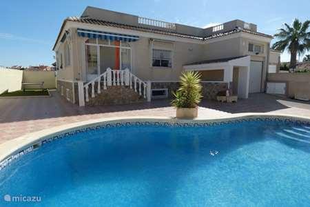 Vakantiehuis Spanje, Costa Blanca, Torrevieja villa 5 slaapkamer 5 bad villa Torrevieja