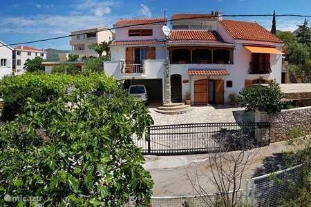 Vacation rental Croatia – villa Villa Oliva