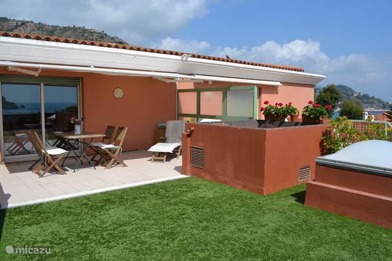 Vacation rental France, French Riviera, Théoule-sur-Mer Apartment Apartment Aquarella, top sea view