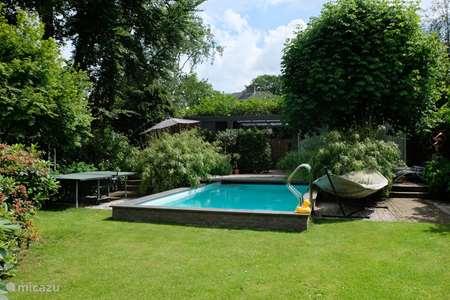 Vakantiehuis Nederland, Noord-Holland, Huizen geschakelde woning Charmant familiehuis met zwembad