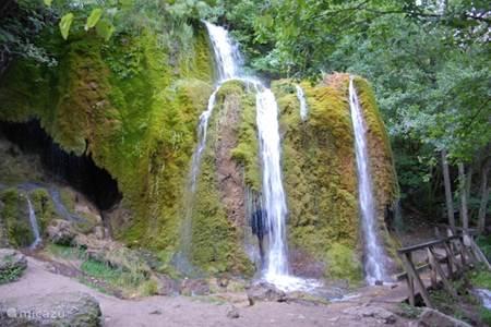 De Dreimühlen waterval bij Nohn