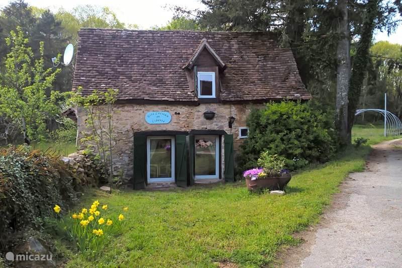 Vacation rental France, Haute-Vienne, Château-Chervix  Gîte / Cottage Gite L'oiseau and Liberté
