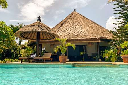 Vacation rental Indonesia, Bali, Lovina villa Villa Cahaya 2BR/BR pool beachfront