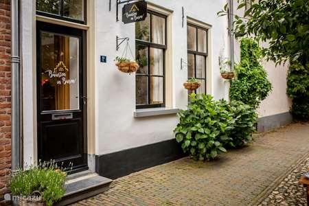 Vakantiehuis Nederland, Gelderland, Buren stadswoning Vakantiehuisje 'Buurten in Buren'