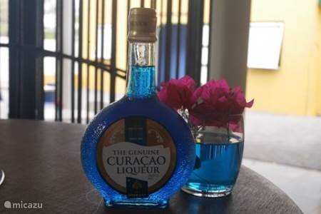 Blue Curacao proeven bij de proeverij