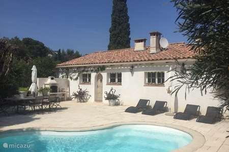 Vakantiehuis Frankrijk, Côte d´Azur, Les Issambres vakantiehuis Calanthe aan zee, met privé zwembad