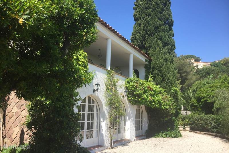Vacation rental France, French Riviera, Les Issambres Holiday house Barbarea by the sea, near St. Tropez