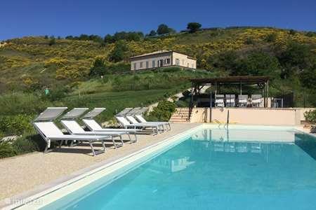 Vakantiehuis Italië, Marche, Appignano appartement Casa Calanchi