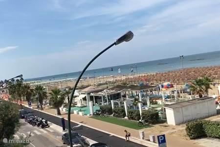 Strand en boulevard
