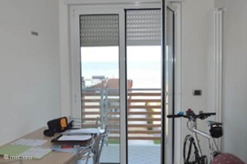 Vakantiehuis Italië, Abruzzen, Roseto degli Abruzzi Appartement Appartement Atlantic direct aan zee
