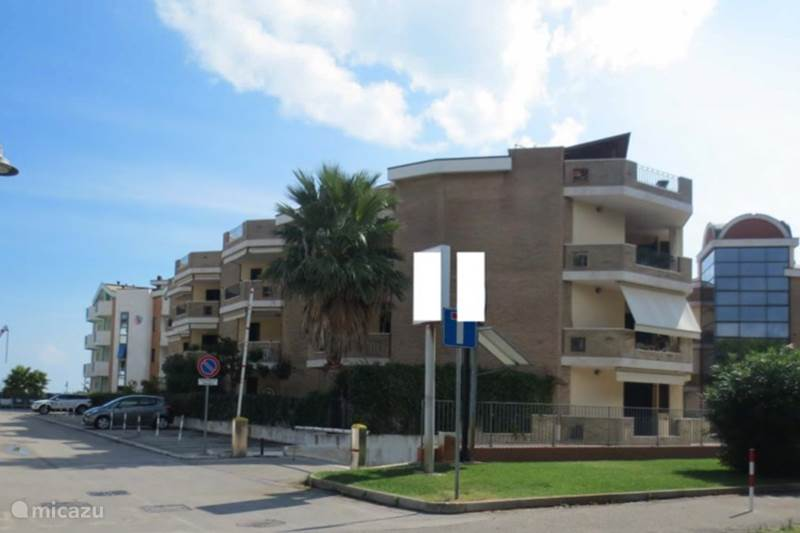 Vakantiehuis Italië, Abruzzen, Roseto degli Abruzzi Appartement  Appartement Makarska met eigen tuin