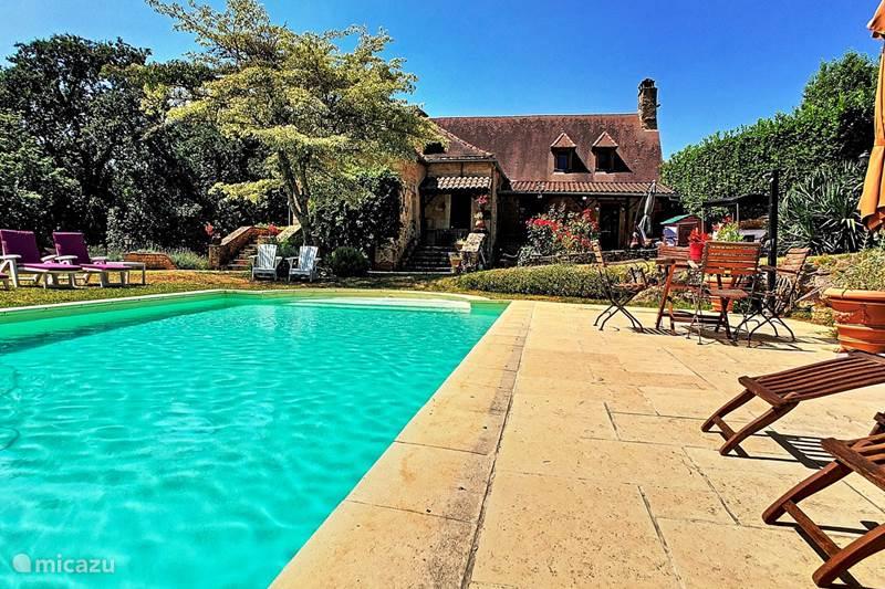 Vakantiehuis Frankrijk, Dordogne, Doissat Vakantiehuis Lortal (4*)vakantiehuis,zwembad,WIFI
