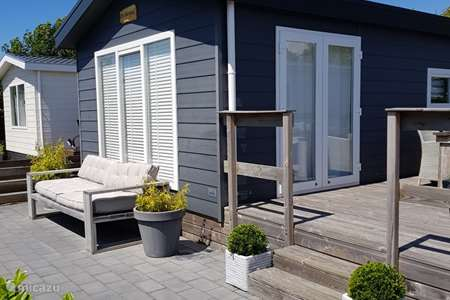 Vacation rental Netherlands, North Holland, Petten chalet 'De Meerpaal' on the Watersnip