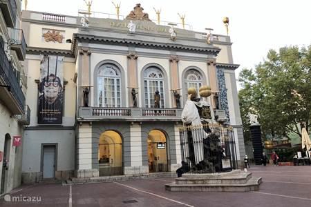 Bezoek Figueres en het museum van Dali
