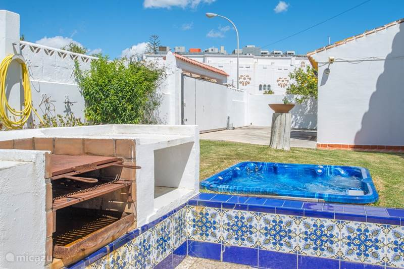 Vakantiehuis Spanje, Costa del Sol, Benalmádena Villa Verwarmd zwembad+jacuzzi+strand