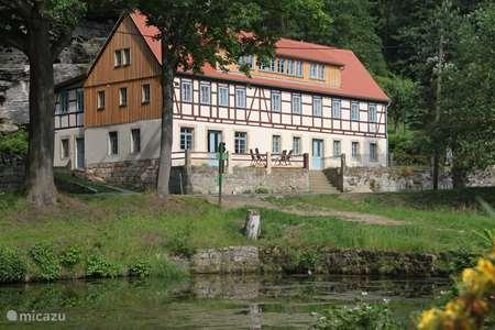 Vakantiehuis Duitsland, Saksen, Rosenthal-Bielatal appartement Felsenkeller Bielatal Berthablick