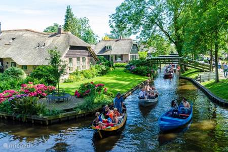 fish and water at Giethoorn