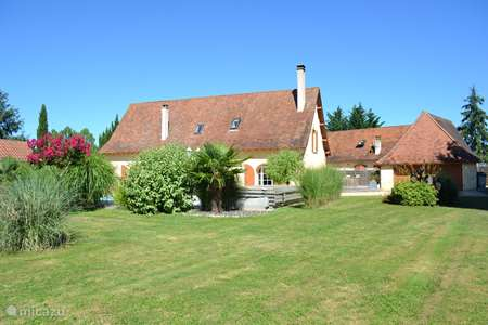Vacation rental France, Dordogne, Lacropte holiday house Marie-Paule